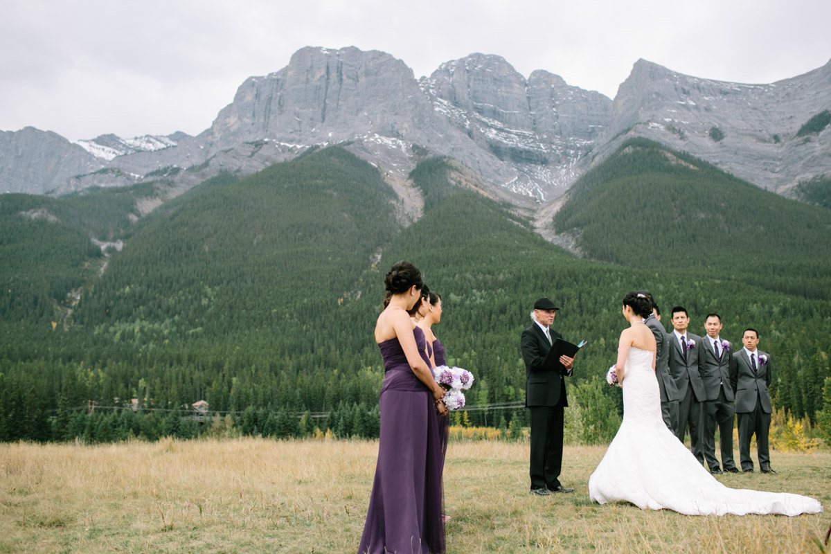 joeewong-kevin-emily-canmore-wedding-grand-rockies-silvertip-0008