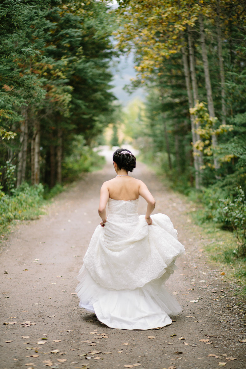 joeewong-kevin-emily-canmore-wedding-grand-rockies-silvertip-0016