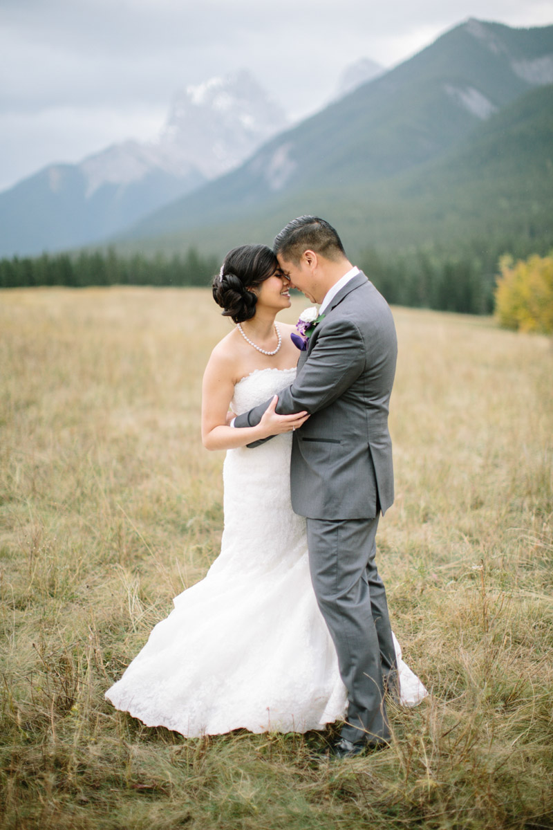 joeewong-kevin-emily-canmore-wedding-grand-rockies-silvertip-0023